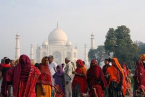 インド、アジアでロックダウン