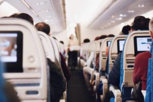 【旅人直伝】飛行機でストレッチ!ガスだまりもエコノミー症候群も解決!
