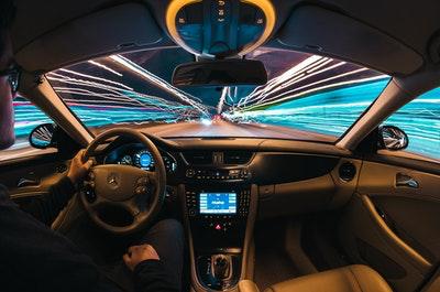 フィリピンでは自分で運転できる?それともドライバーを雇うべき?